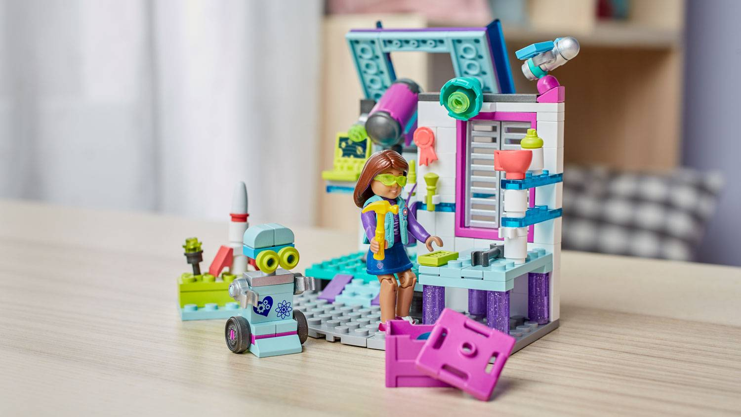 Image of: Luciana's Space Lab
