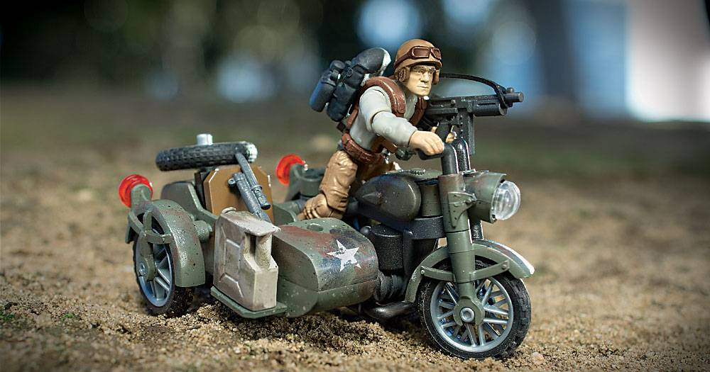 Image of: Legends: Sidecar Pursuit